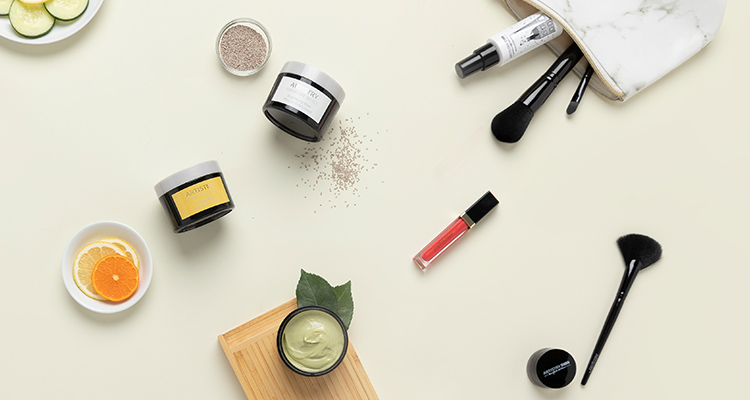 Stylised image of ARTISTRY skincare products